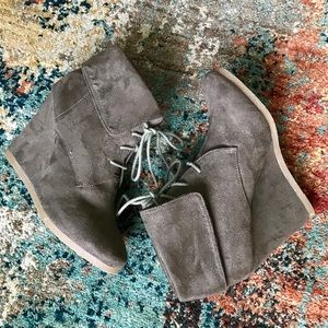 Mossimo Olive Vegan Suede Wedge Lace up Booties